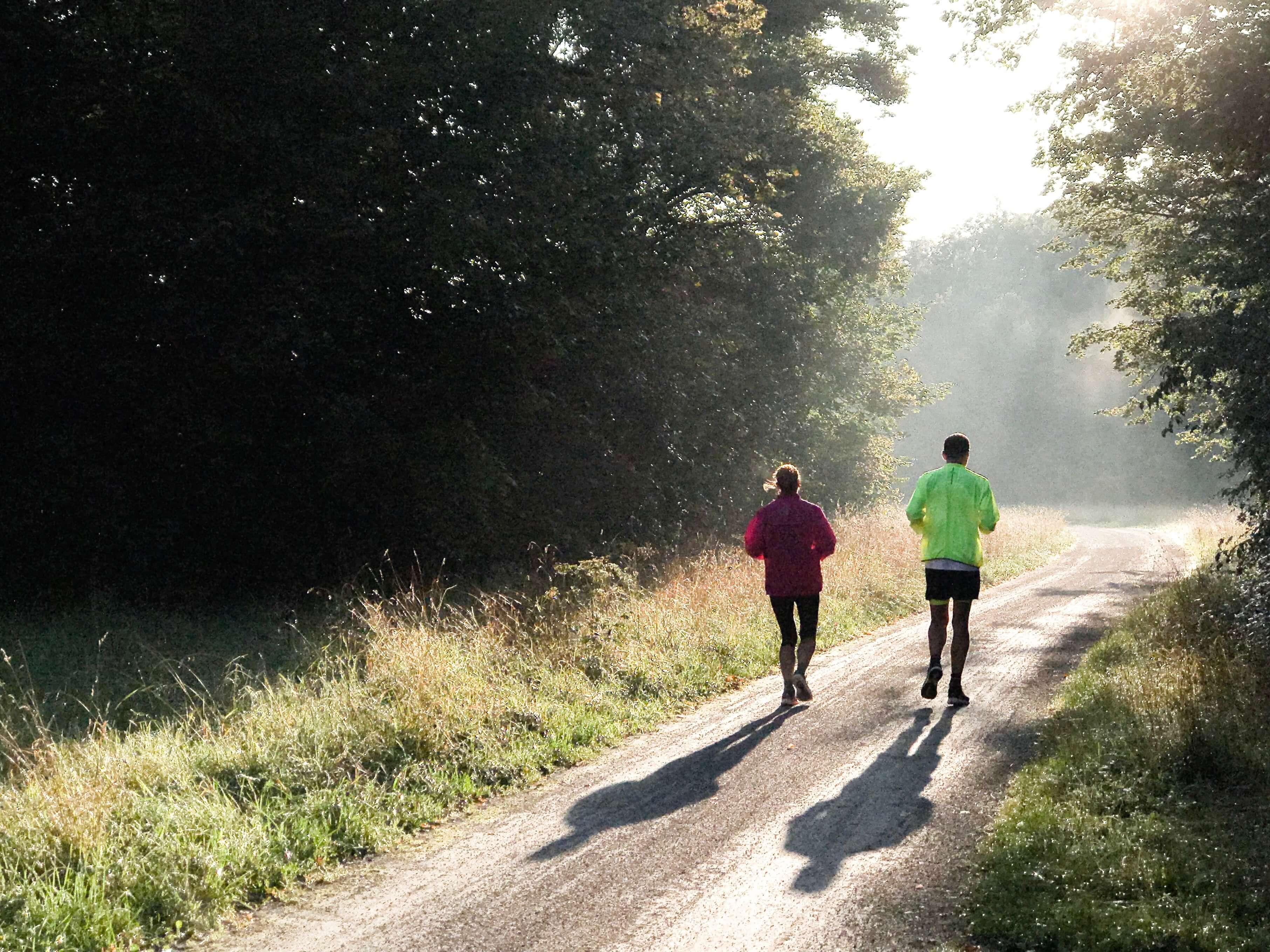 ejercicio en pareja Mejora el cuerpo de ambos